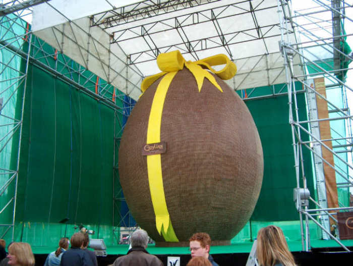 most-unusual-easter-eggs-01