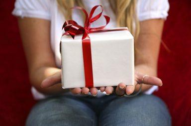 Що можна подарувати хлопцеві, чоловікові на 23 лютого