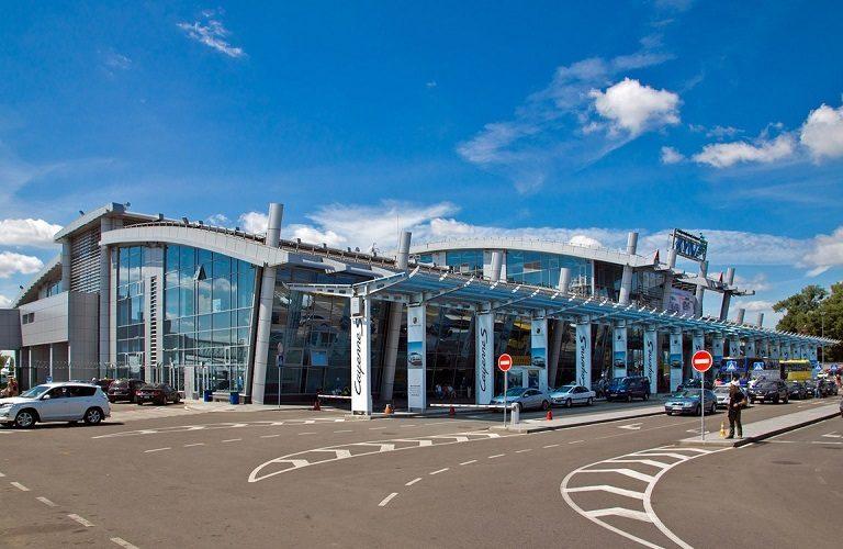 У київському аеропорту Жуляни з'явилися кіоски для самостійної реєстрації
